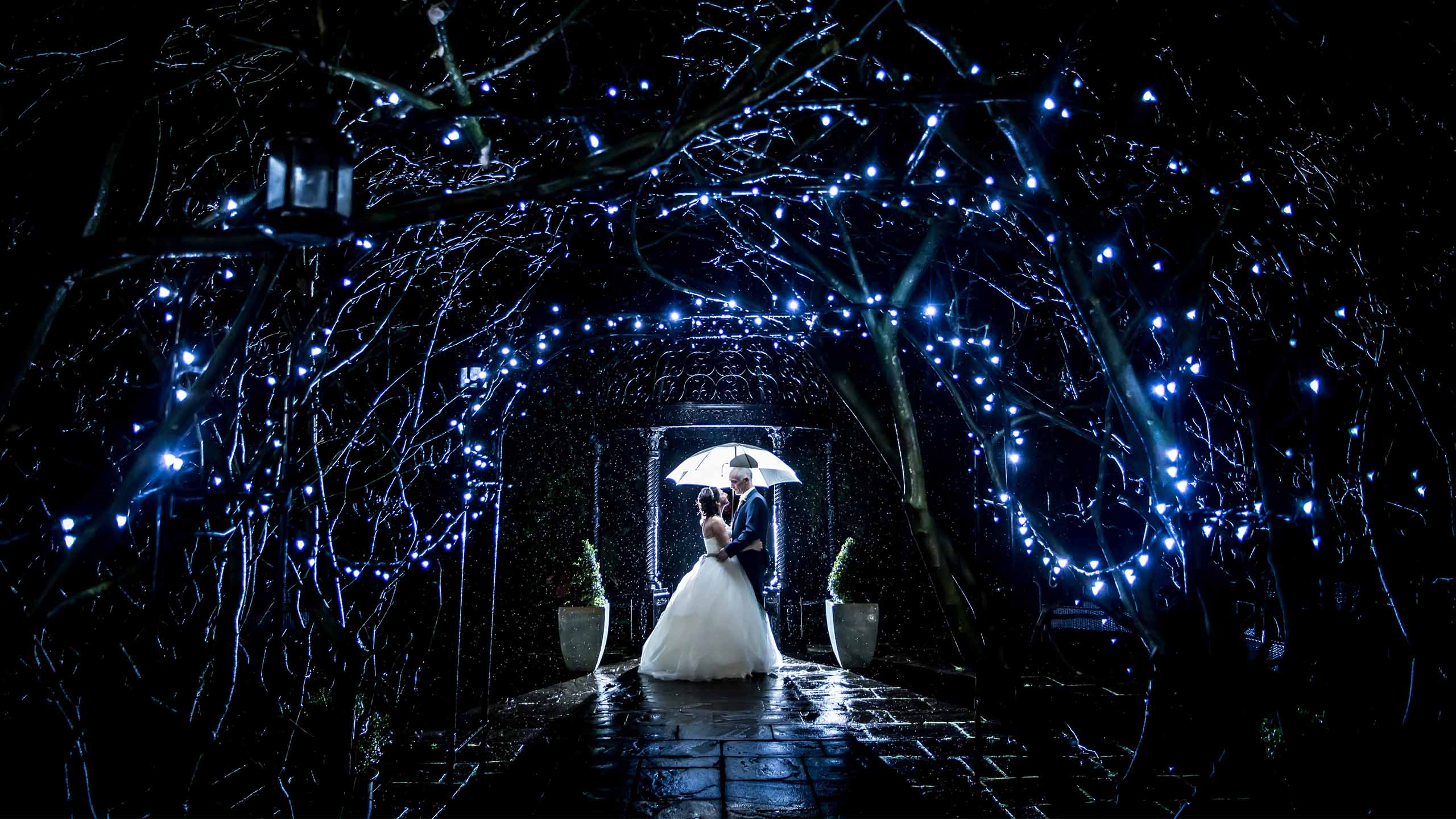 wedding-statham-fairy-lights1